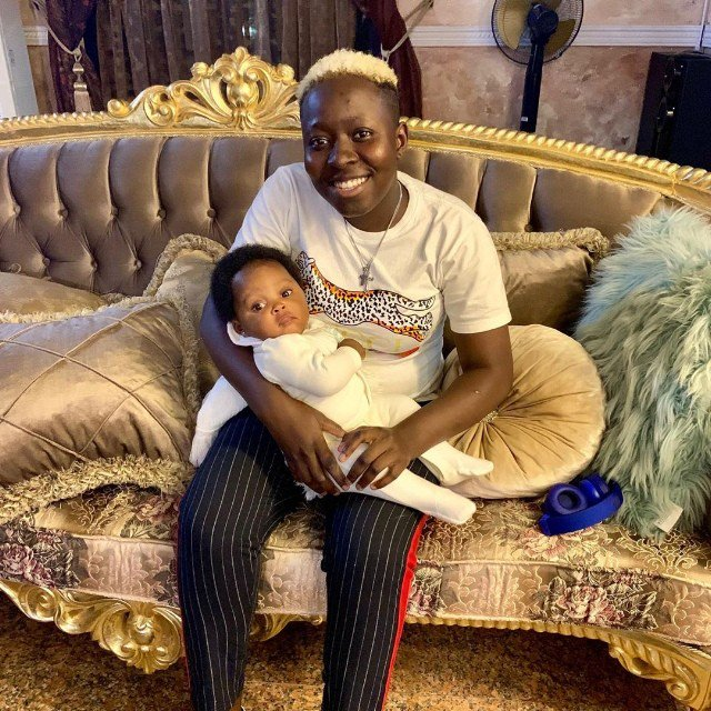 See Zlatan Ibile's Beautiful Girlfriend As She Shows Off Their New Baby 14