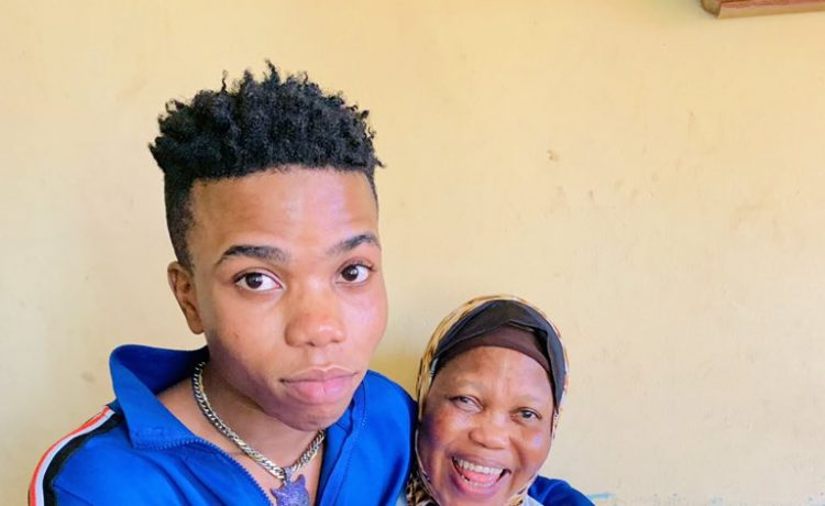 Wow!  Lyta Pictured With His Beautiful Blinded Mother (See Photos) 1