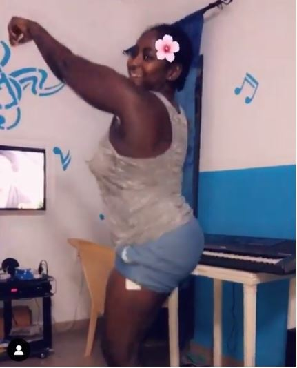 Wow!! Lady Amputee, Doris Twerking To Wizkid-Beyonce Song (Photo and Video) 3