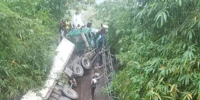 OMG! See The Moment A Bridge Collapsed With Trailer On It In Akwa Ibom State (Photos) 24