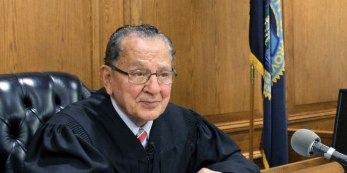 """BEST JUDGE IN THE WORLD!! See How This Judge """"Frank Caprio"""" Handle Cases Inside The Court (Watch) 20"""