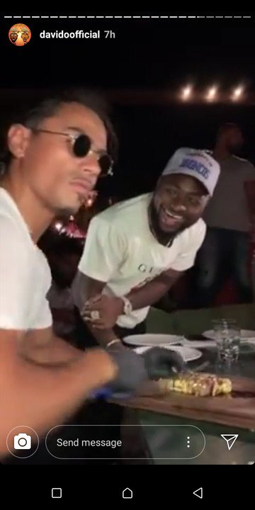 BADDEST!! Davido Meets World Famous Chef, Nusret, In Greece, Eats 24karat Gold Meat 4