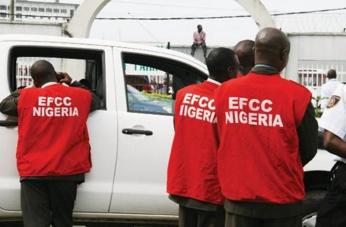 UPDATE! How We Were Attacked At Ambode's House – EFCC 1