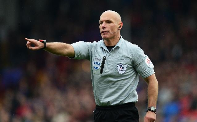 Howard Webb Reveals What VAR Will Do To The Premier League This Season 1