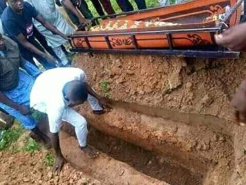 Shock As Man And His Wife Are Found Dead Inside Their Home In Niger State (Photos) 4