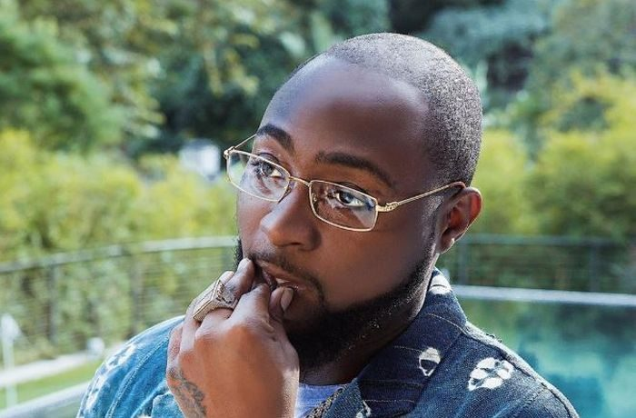 """""""I Am Now A Married Man"""" – Excited Davido Tells A Female Fan 1"""