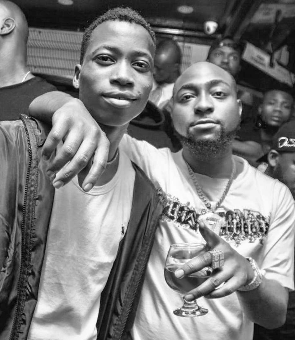 Davido signs Lil Frosh to DMW/AMW Record Label 4