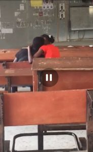 BABCOCK LAUTECH!! LAUTECH Fresher Students Caught Doing Rubbish In The Lecture Room (Watch Video) 2