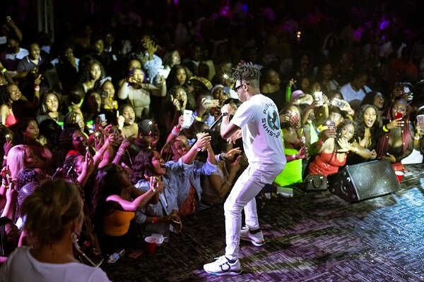 BADDEST!! Mayorkun Kicks Off Canadian Tour, Massive Sold-out In Toronto (See Photos) min