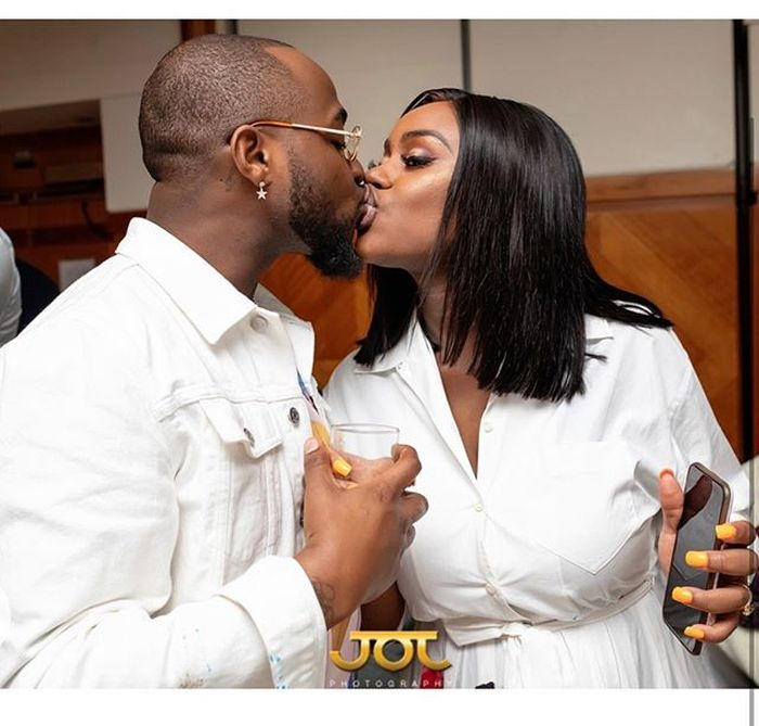 Amid Break Up Rumours, Chioma Gives Davido A Lap Dance In Club (Watch Video)