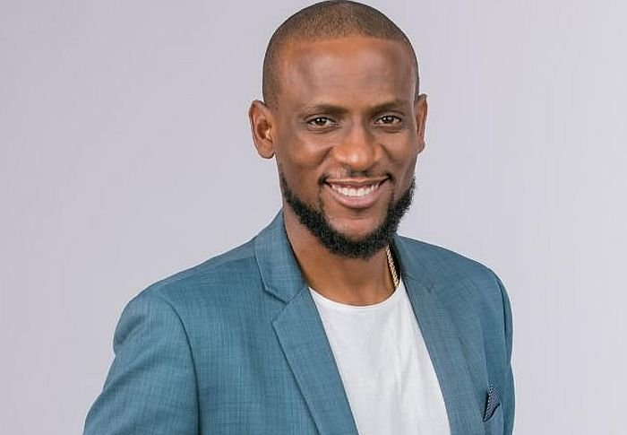 BIG CONGRATS!! Omashola Buys Benz, Says Getting A Wife Is Next (Photo) 1