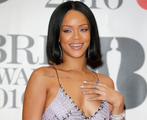 Rihanna Shatters The Internet With Stunning First Selfie Of The Year (Photo) 1