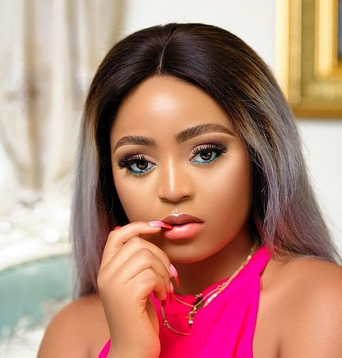 Regina Daniels Showers Husband With Encomium As He Jets Out Alone For Expedition 1