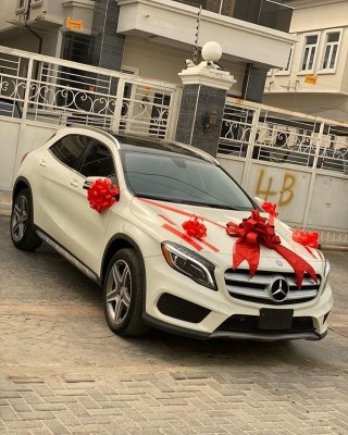 This Kind Love Is Rare!! Nigerian guy bought a brand new Benz for his Girlfriend for Valentine (Photos+Video) 3