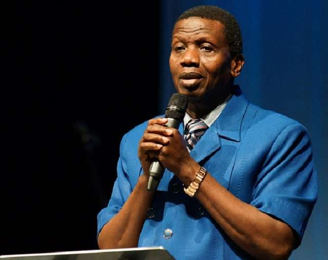 Pastor Adeboye Shows He's Not Too Old For Valentine's Day, Kisses His Wife (Photos) 1
