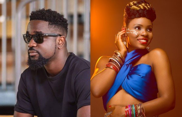 Finally After 3 Years, Sarkodie Publicly Apologizes To Yemi Alade (Photo) 1
