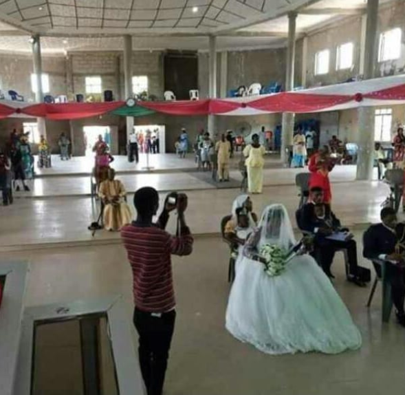 New photo shows how a couple and their guests observed social distancing at their wedding in Benue 2