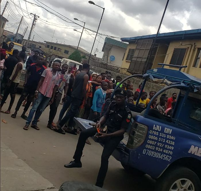 Naira Marley Fans Stormed Court In Support Of Singer Despite Lockdown Order (Photos) 2
