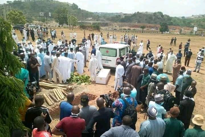 With The Huge Crowd At Abba Kyari's Burial – Should Lagos State Gov't Apologize To Funke Akindele & Refund Her Money? 2