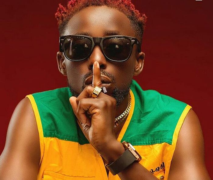"""""""Lizard And Igbo Smokers – Who Like Uncompleted Building Pass?"""" – Erigga Ask Fans On Twitter"""