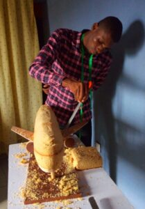 Meet Prince Obua: A Nigerian Man From Rivers State Ikwere Local Government Area Craft Cake Like A Generator. 12