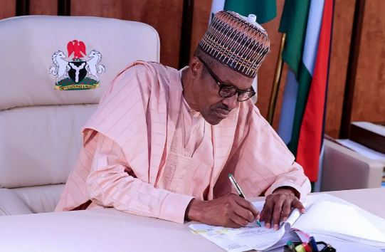 #SARSMUSTEND: President Buhari Finally Addresses Nigerians, Says The Disbanding Of SARS Is The First Step To Extensive Police Reforms (Video)