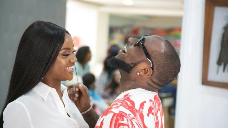 5 Nigerian Musicians Who Used Their Lovers In Music Videos- Isn't That Cute?