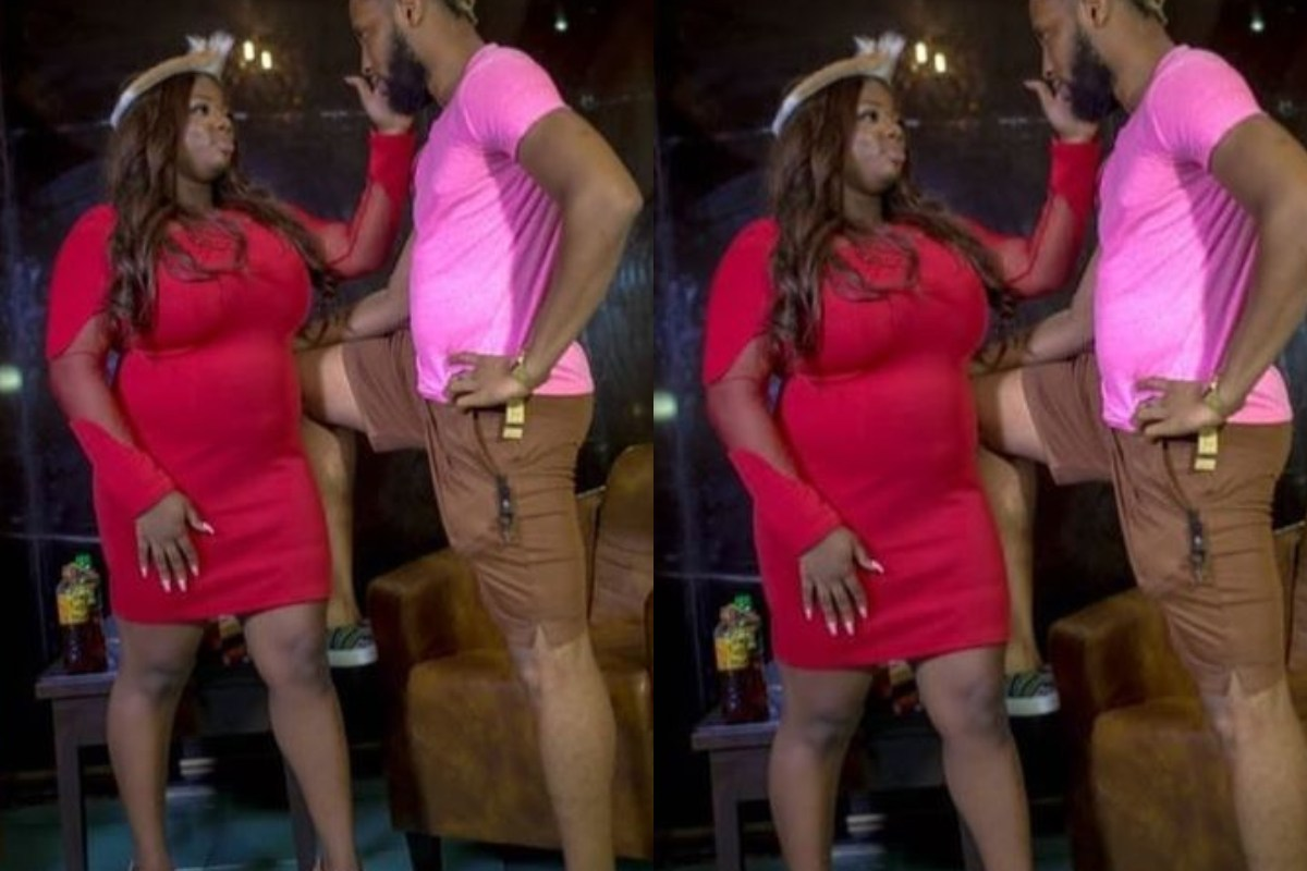 """""""She Forgot The Waist Trainer"""" – Reactions As Dorathy's Humongous Tummy Disgraces Her In New Photo"""
