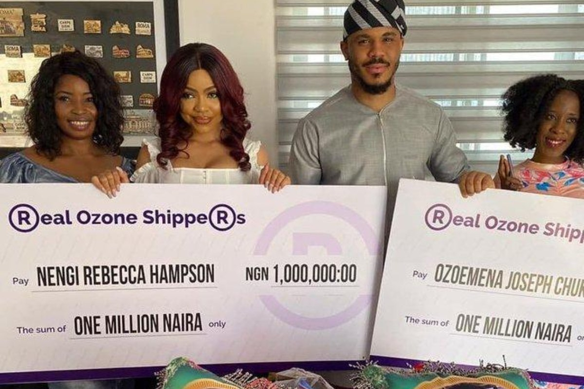 Nengi And Ozo Receive 2 Million Naira And Plantain Chips From Fans (Photos)