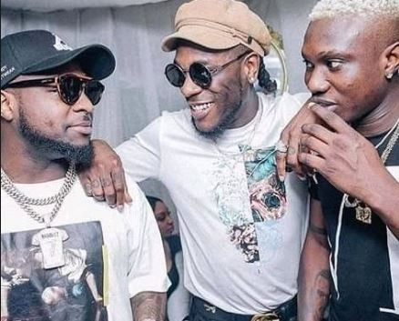 Something Fishy Going Down – Davido And His Friend Making Themselves Happy (Video)