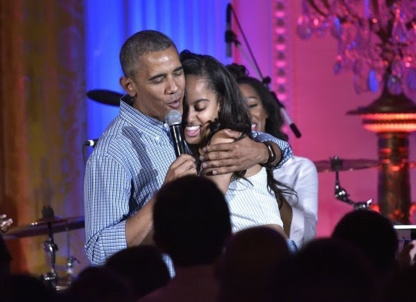 I Smoked 9 Cigarettes A Day In White House & Stopped When Malia Caught Me – Obama