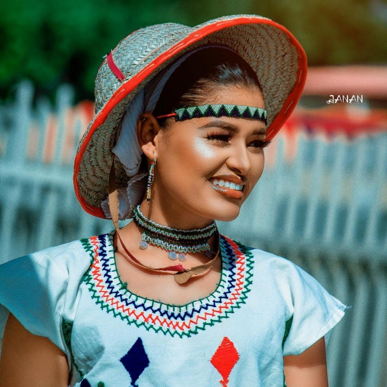 Beautiful Fulani Lady Causes Stir On Social Media With Some Lovely Photos