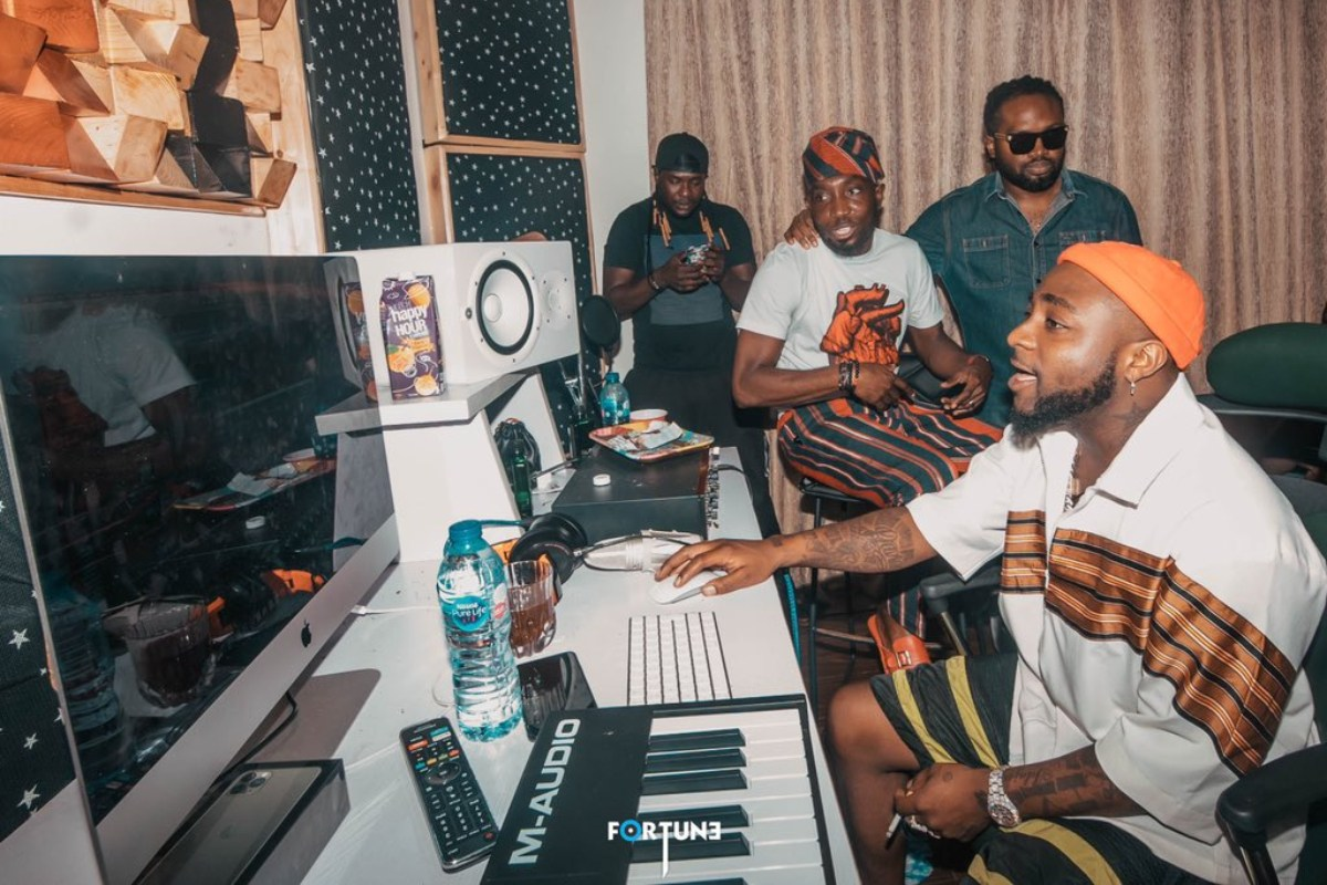 Davido, Timi Dakolo And Cobhams Spotted In The Studio, Creating A Christmas Banger (Photos)