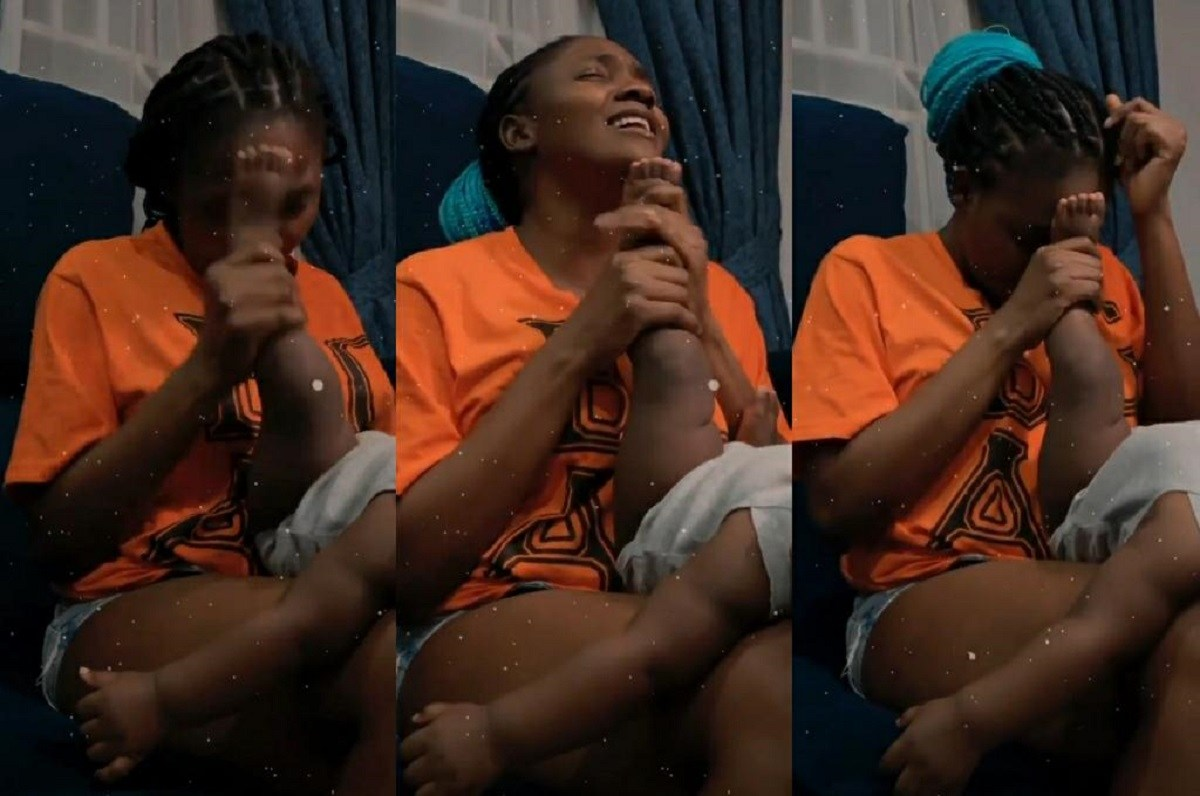 Simi Using Her Daughter's Leg As A Microphone Is The Cutest Thing So Far On The Net – Video