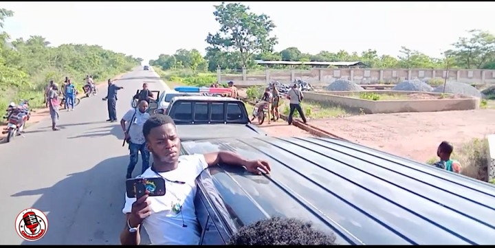 War at Igangan As Soldiers Prevent Sunday Igboho From Entering Igangan Forest (Photos, Video)